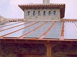 miniatura vista desde el suelo del tejado captador solar